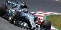 Lewis Hamilton İspanya GP'sindeki zaferini Monster 44 ile kutladı