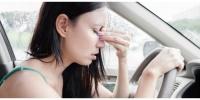 Arabada seyahat ederken neden midemiz bulanır?