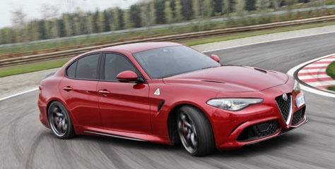 Alfa Romeo'nun yeni lüks sedanı Türkiye'ye geliyor