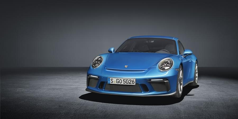 Porsche'den iki dünya prömiyeri