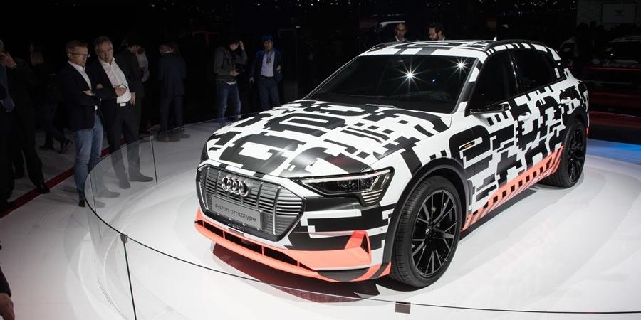 Audi beklenen modeli Yeni Audi A6'yı Cenevre'de tanıttı