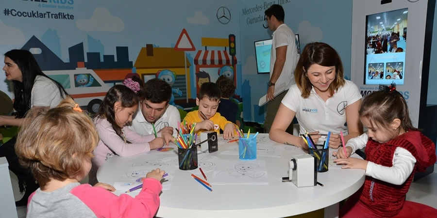 Mercedes-Benz Türk, 'İyi Bir Gelecek İçin'  Çocuk Gelişimi Fuarı'na katıldı
