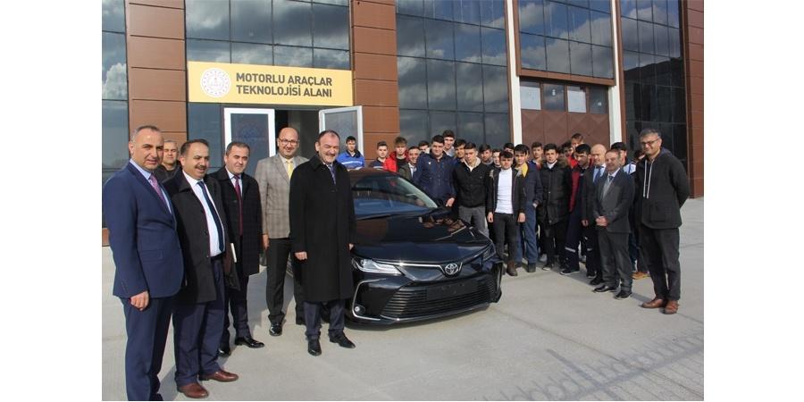 Toyota Otomotiv Sanayi Türkiye mesleki teknik eğitime destek olmaya devam ediyor