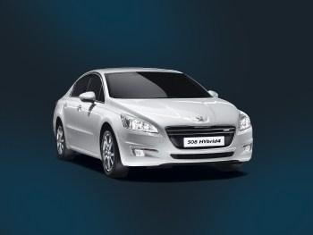 Peugeot'dan 3 farklı modelde HYbrid4 araç